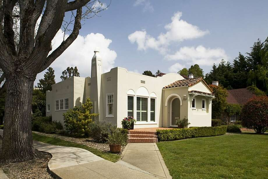 This is the exterior of the home at 1048 Balboa. Photo: Joel Puliatti