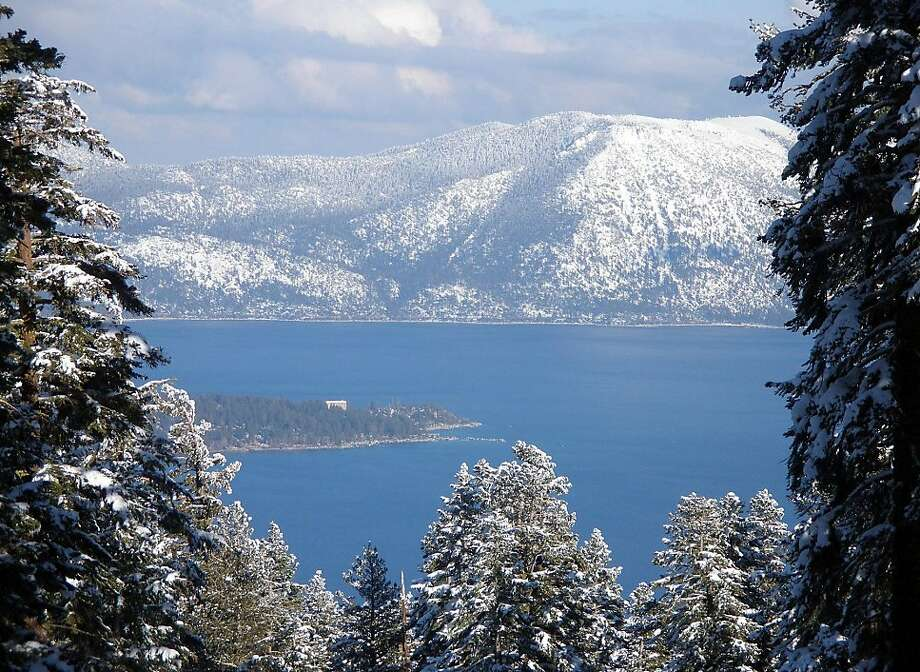 View of Lake Tahoe from Northstar ski resort	 For Travel section. Truckee CA.  	 The San Francisco Chronicle, Penni Gladstone Photo taken on 2/24/05, in Truckee, Photo: Penni Gladstone, San Francisco Chronicle