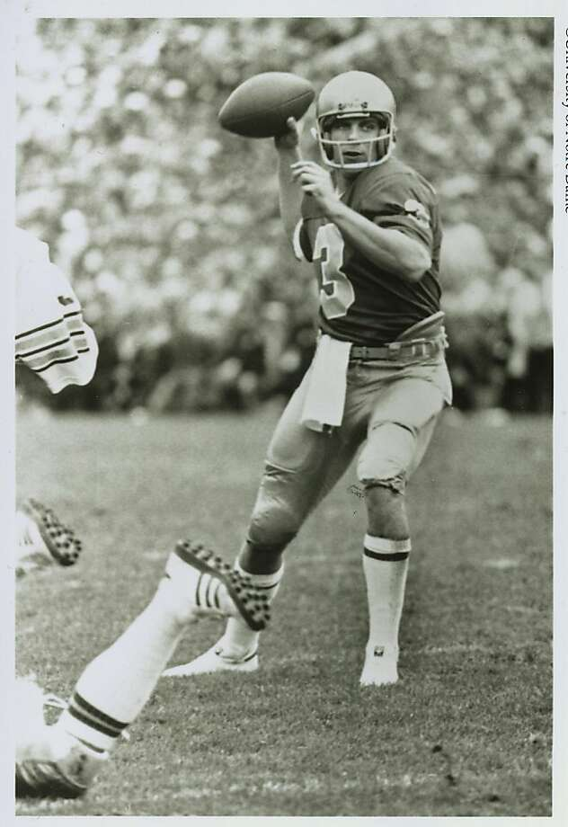 49ers24.jpg Joe Montana, quarterback at Notre Dame.    University of Notre Dame/ Chronicle archive Photo: University Of Notre Dame
