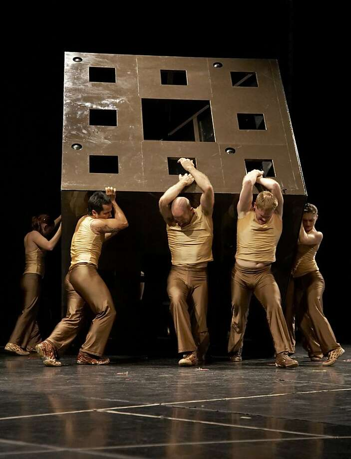 Diavolo Dance Theater Photo: Rose Echenbaum