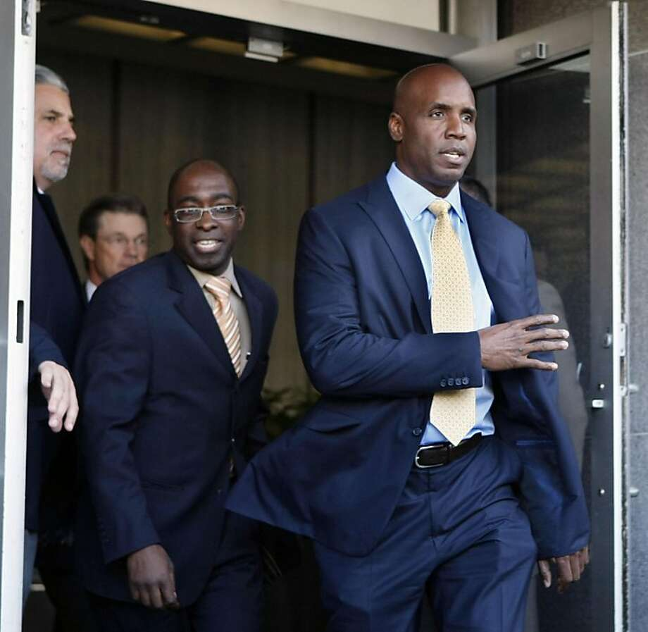 Former baseball home run king Barry Bonds, leaves federal court in San Francisco, Tuesday, April 12, 2011 at the end of the third day of jury deliberation for his criminal perjury trial. Photo: Lance Iversen, The Chronicle