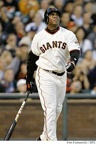 Barry Bonds hits career home run 758 off former teammate Matt Morris in the bottom of the third inning as the Giants play the Pittsburgh Pirates in San Francisco Friday night. Photo: Kim Komenich, SFC