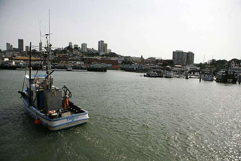 Pacific coast salmon fishing season opens may 1 sfgate for Salmon fishing in california