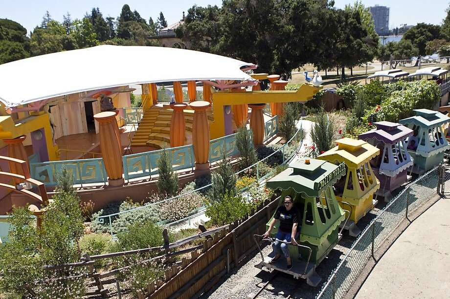 The Children's Fairyland Jolly Trolly runs past the park's children's theater in Oakland, Calif., on Thursday, July 15, 2010.  Children's Fairyland opened in 1950 and was America's first storybook theme park. Photo: Laura Morton, Special To The Chronicle
