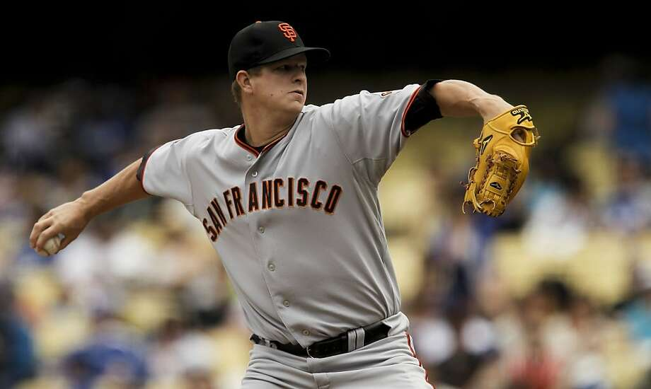 Giants starting pitcher Matt Cain works against the Los Angeles Dodgers on Saturday at Dodger Stadium. Photo: Michael Macor, The Chronicle