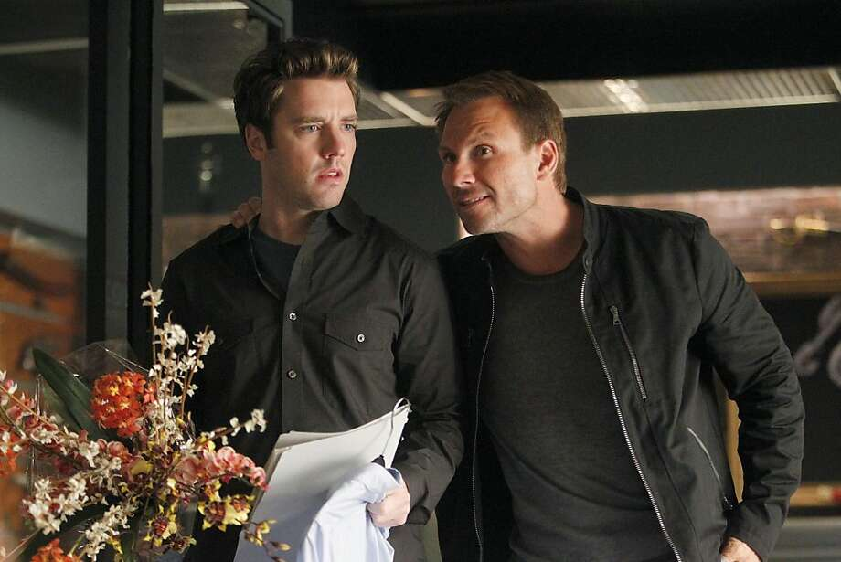 "BREAKING IN:  Oz (Christian Slater, R) has some advice for Cameron (Bret Harrison, L) in the ""'Tis Better to Have Loved and Flossed"" episode of BREAKING IN airing Wednesday, April 13 (9:30-10:00 PM ET/PT) on FOX. Photo: Jordin Althaus, Fox"