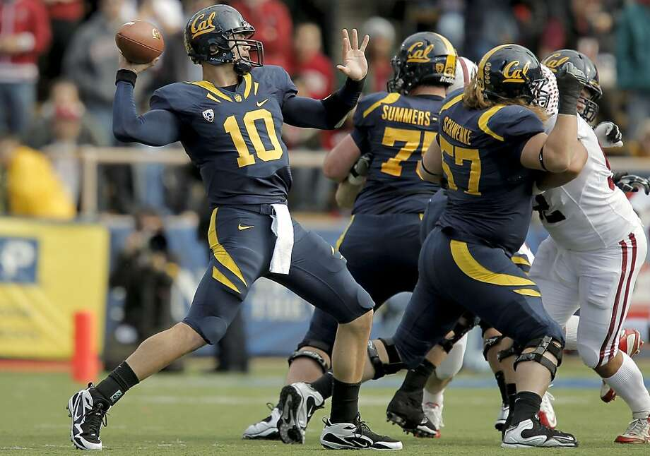 Cal quarterback Brock Mansion (10) looks to throw in the first quarter of the 113th Big Game at Memorial Stadium in Berkeley on Saturday. Photo: Michael Macor, The Chronicle
