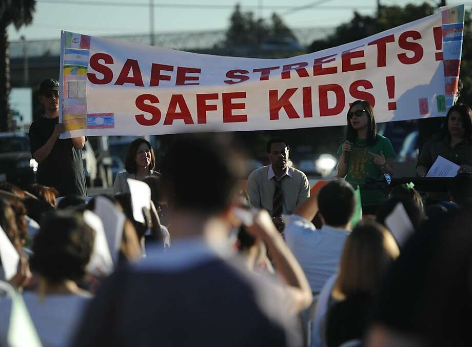 Oakland residents protest child prostitution on International Boulevard, where city officials say the crime is taking place. Photo: Susana Bates, Special To The Chronicle