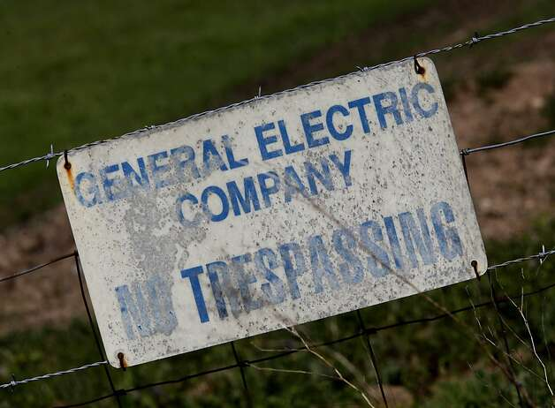 General Electric owns much of the land surrounding the facility and has plenty of No Trespassing signs posted. An older nuclear reactor site, operated by General Electric, sits off highway 84 in the Sunol, Calif. area. Photo: Brant Ward, The Chronicle