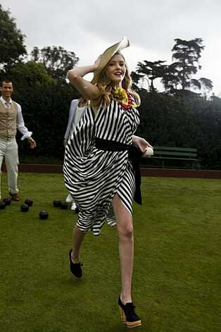 Spring fashions are seen at the SF Lawn Bowling Club in Golden Gate Park.Fashion and Lawn Bowling San Francisco, 2010   **MANDATORY CREDIT FOR PHOTOG AND SF CHRONICLE/NO SALES/MAGS OUT/TV OUT/INTERNET: AP MEMBER NEWSPAPERS ONLY** Photo: Russell Yip, The Chronicle