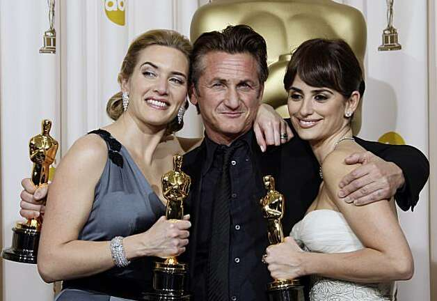 "Sean Penn, winner of the best actor Oscar for ""Milk,"" is joined by Kate Winslet, left, best actress for ""The Reader,"" and best supporting actress Penelope Cruz for ""Vicky Cristina Barcelona,"" during the 81st Academy Awards Sunday, Feb. 22, 2009, in the Hollywood section of Los Angeles. (AP Photo/Matt Sayles) Photo: Matt Sayles"