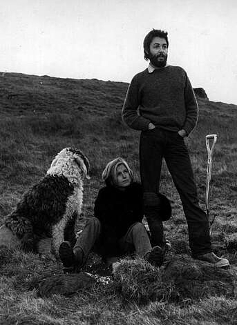 5th January 1970: Paul and Linda McCartney (1941 - 1998) on their lonely farm near the fishing town of Campbeltown, the day after McCartney started High Court proceedings to seal the final break-up of the Beatles. Mirror Syndication International. Photo: Evening Standard