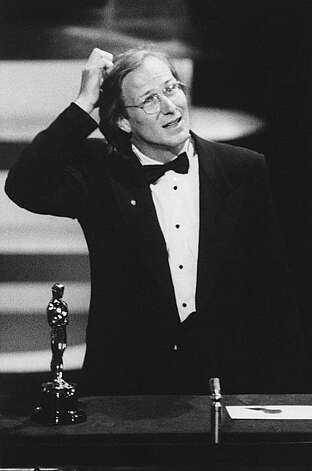 "William Hurt scratches his head as he gives an acceptance speech after winning the Oscar for Best Actor for his role in ""Kiss of the Spider Woman"", at the Academy Awards in Los Angeles March 24, 1986. (AP Photo/Reed Saxon) Photo: Anonymous"