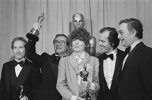 "Richard Dreyfuss, left, Charles Joffe, holding up Oscar, Diane Keaton, Jack Nicholson and Jack Rollins, right, are shown in Los Angeles, April 3, 1978.  Dreyfuss and Keaton had just won best actor and actress.  Joffe and Rollins were producers of the best picture, ""Annie Hall,"" and Nicholson was the presenter.  (AP Photo)"