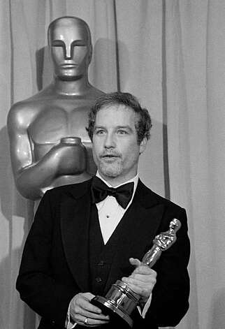 "Actor Richard Dreyfuss holds the Oscar he won for Best Actor in Neil Simon's ""The Goodbye Girl,"" April 3, 1978 in Los Angeles.  (AP Photo)"
