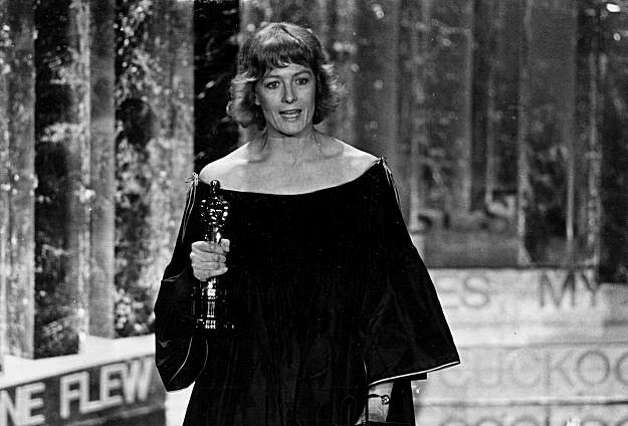 "Vanessa Redgrave holds the Oscar she won as best supporting actress for her role in the motion picture ""Julia,"" during her acceptance speech, at the Academy Awards show at Los Angeles Music Center, Calif.,  on April 3, 1978. (AP Photo)"