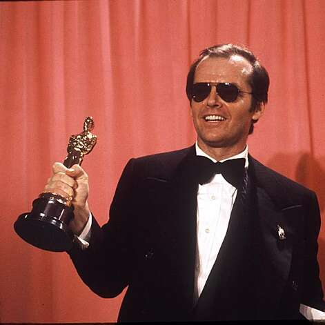 Actor Jack Nicholson, named best actor of 1975 by the Motion Picture Acedemy, holds the Oscar he won for his role in 'One Flew over the Cuckoo's Nest' in Los Angeles March 30, 1975. (AP Photo)