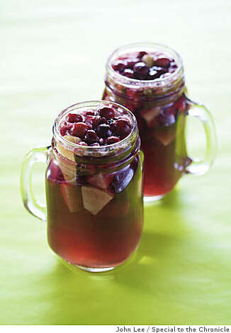 HOLIDAYSPIRITS07_05_JOHNLEE.JPG Cornucopia Sangria. By JOHN LEE/SPECIAL TO THE CHRONICLE Photo: John Lee, Special To The Chronicle