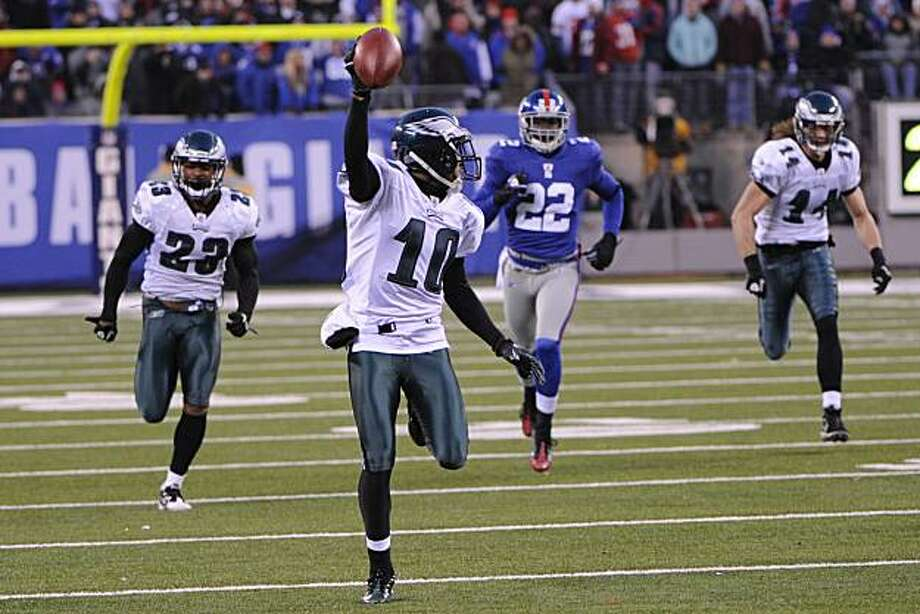Philadelphia Eagles' DeSean Jackson returns a punt for a touchdown during the fourth quarter of the NFL football game between the Philadelphia Eagles and the New York Giants at New Meadowlands Stadium, Sunday, Dec. 19, 2010, in East Rutherford, N.J. Jackson fielded a punt that was supposed to be kicked out of bounds and scored on an incredible 65-yard return on the final play, giving the Eagles a stunning 38-31 victory. Photo: Bill Kostroun, AP