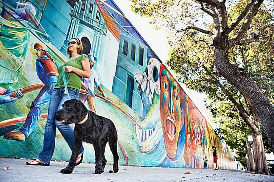 Mission district for real estate cover story Valerie Fahey Sf.BlockShopper.com Photo: Valerie Fahey, Sf.BlockShopper.com