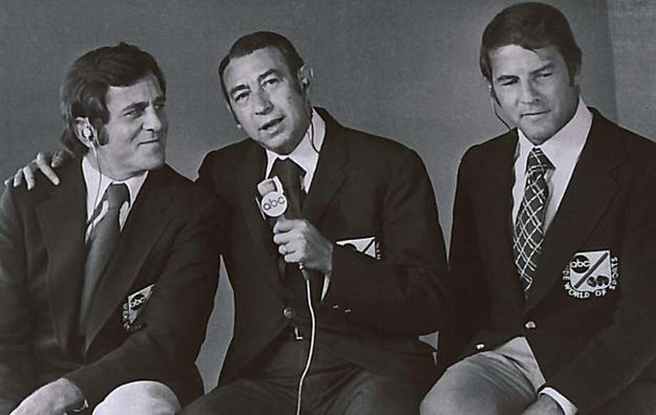 "This Jan. 1972,  photo provided by ABC, shows, from left, Don Meredith, Howard Cosell and Frank Gifford. Meredith, one of the most recognizable figures of the early Dallas Cowboys and an original member of ABC's ""Monday Night Football"" broadcast team, died Sunday, Dec. 5, 2010, in Santa Fe, N.M.,  He was 72. Photo: Abc, AP"