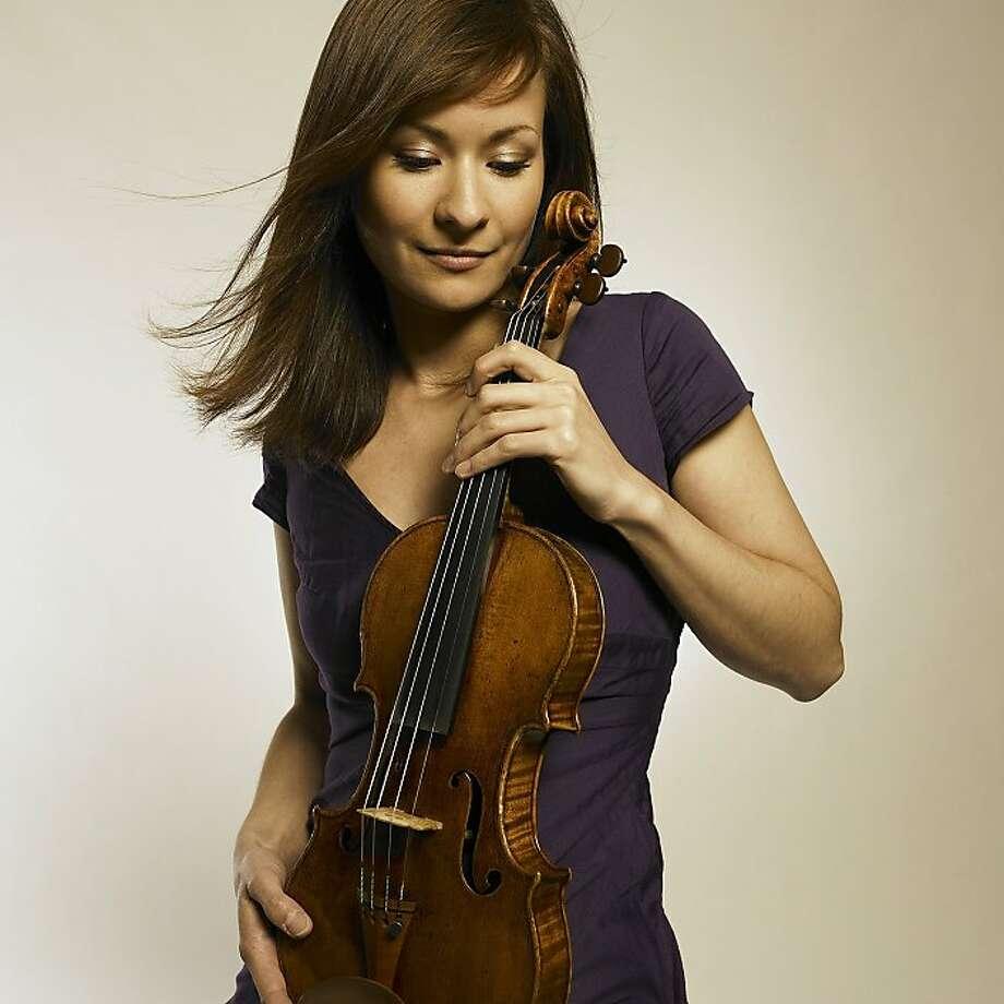 Violinist Arabella Steinbacher Photo: Courtesy SF Symphony