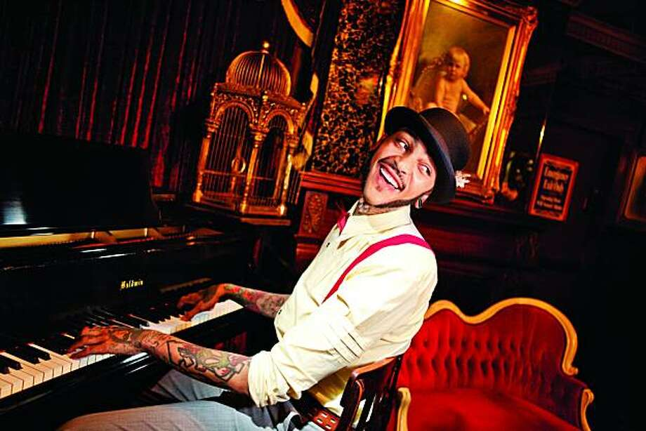 Travie McCoy Photo: Atlantic Records
