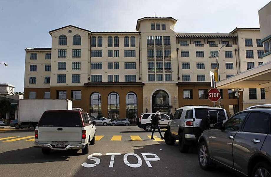 Front of the building is lit by the afternoon sun on Geary at Arguello streets in San Francisco, Calif., on Thursday, March 17, 2011. Photo: Liz Hafalia, The Chronicle