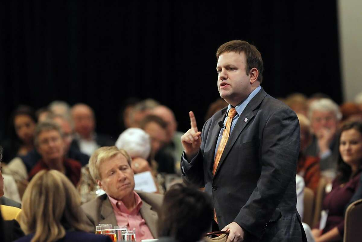 Frank Luntz, a republican strategist, addresses the crowd gathered for lunch. A thousand delegates and republicans from around the state gathered at the Sacramento Convention Center for the California Republican Party Convention in Sacramento, Calif., on Saturday, March 19, 2011.