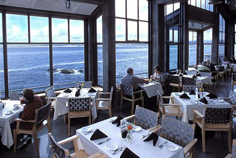 Monterey Bay Aquarium CafŽ and Restaurant dining room Photo: Randy Wilder, Monterey Bay Aquarium