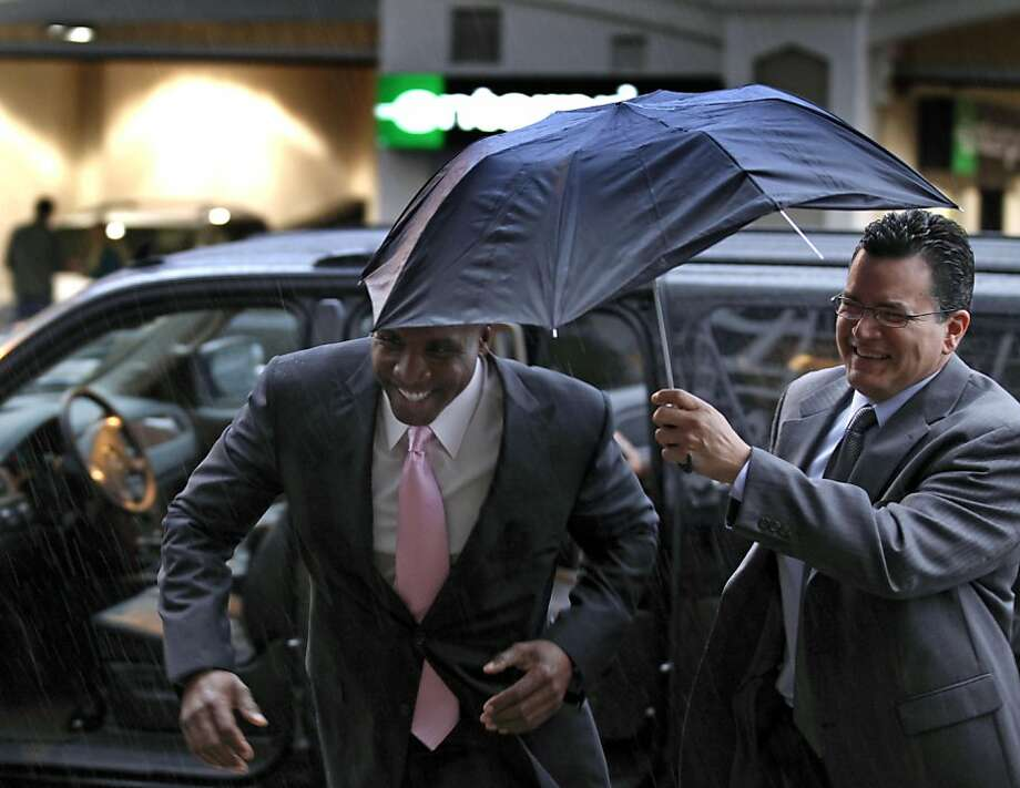 Former baseball home run king Barry Bonds, arrives for his criminal perjury trial at federal court in San Francisco, Thursday, March 24, 2011 Photo: Lance Iversen, The Chronicle