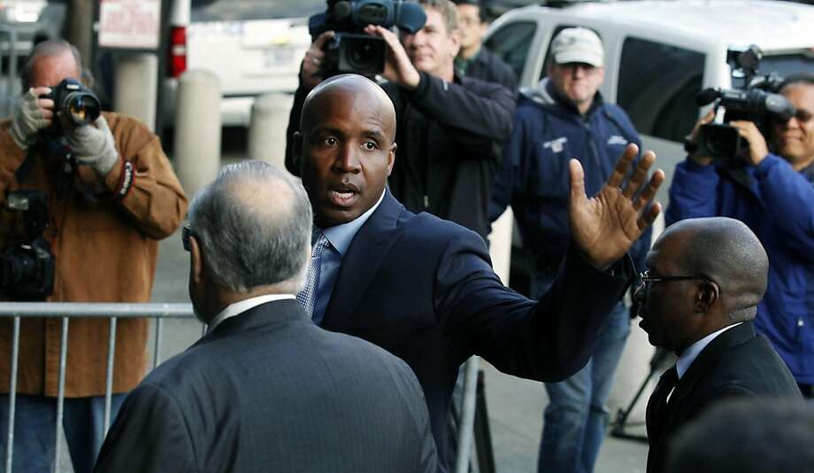 Barry Bonds arrives at the federal courthouse in San Francisco, Tuesday, March 22, 2011. The Bonds perjury gets under way with opening arguments, more than three years after baseball's all-time home run king was charged with lying to a federal grand jury when he denied knowingly taking performance-enhancing drugs. Photo: Lance Iversen, The Chronicle