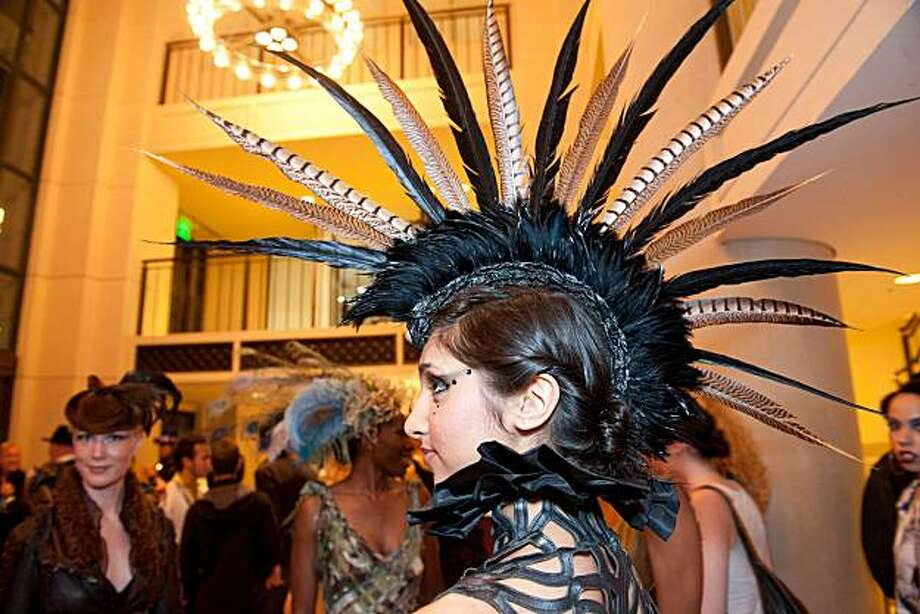 "A detail of the Black Swan Mohawk by Miss G Designs was shown at ""Spring Into Fashion."" Photo: Susana Bates, Drew Altizer Photography"