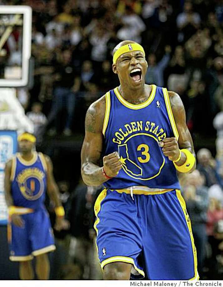 Golden State Warriors Al Harrington (3) reacts when the Warriors pulled ahead with just 55.6 seconds to go in the game against the Washington Wizards at Oracle Arena in Oakland, CA on Monday, February 11. 2008. The Warriors won 120-117. Photo: Michael Maloney, The Chronicle