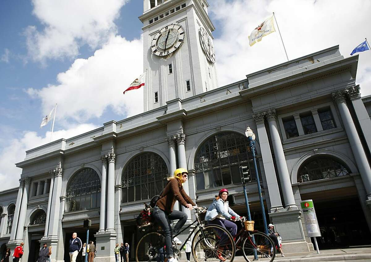 The first day of San Francisco's Sunday Streets took place on the Embarcadero from 11 to 4 on Sunday March 20, 2011.