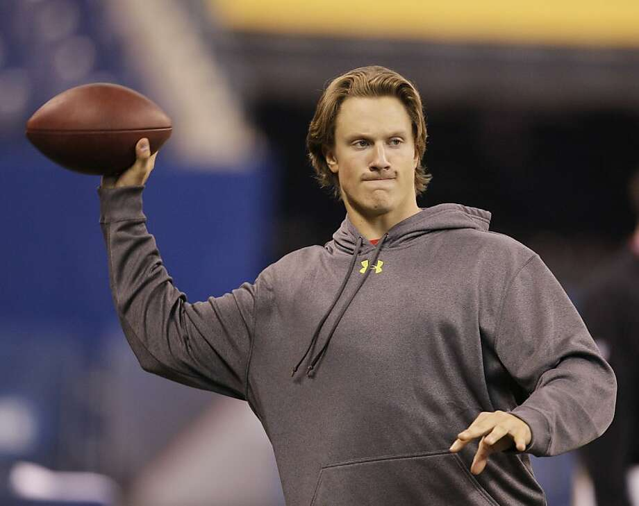 Missouri quarterback Blaine Gabbert throws on the sideline during the NFL football scouting combine in Indianapolis, Sunday, Feb. 27, 2011. Photo: Darron Cummings, AP
