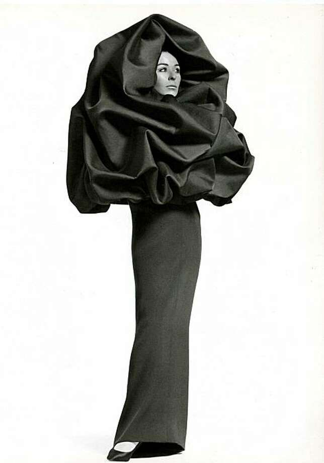 "Balenciaga evening ensemble, 1967, will be part of the ""Balenciaga: Spanish Master"" exhibition coming to the de Young Museum in 2011. Photo: Balenciaga Archives, Paris"