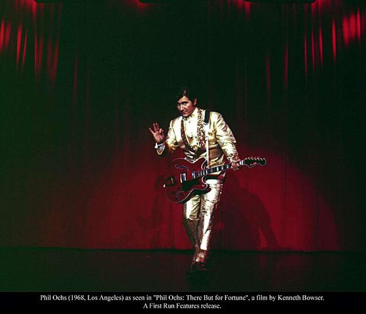 Phil Ochs (1968, Los Angeles) as seen in