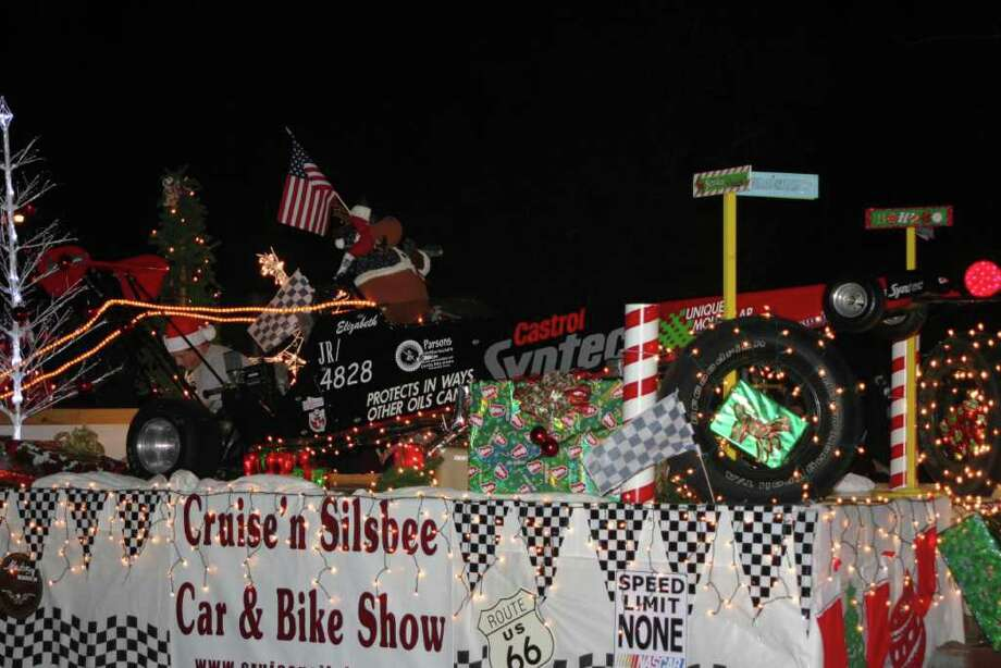 Silsbee was busy with Christmas in the Big Thicket and Lighted Christmas Parade on Saturday, Dec. 3, 2011. Photo: David Lisenby, HCN_Silsbee Parade