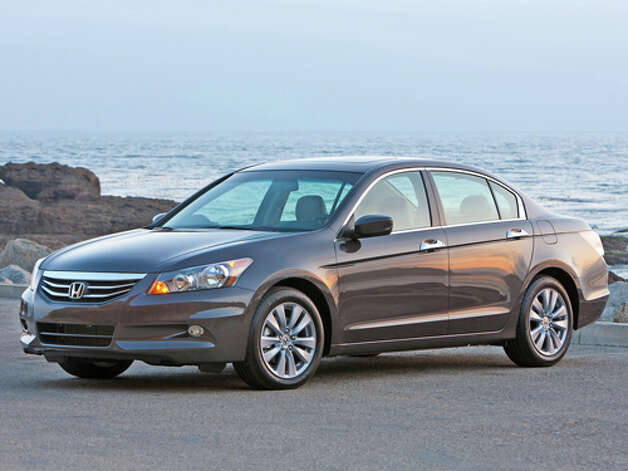 2011 Honda Accord EX-L V-6 sedan (photo courtesy Honda) Photo: Honda / © 2011 American Honda Motor Co., Inc.
