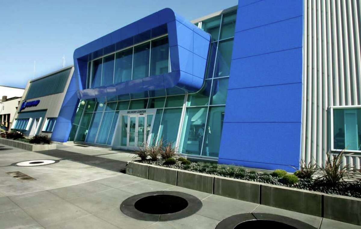 A view of the new façade of the newly remodeled customer delivery center at Boeing's Everett plant, on Friday September 29, 2006 By: Gilbert W. Arias/Seattle Post-Intelligencer
