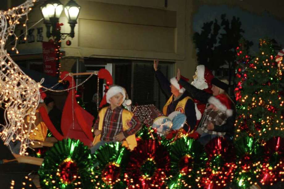 The Downtown Sour Lake Posse hosted Sour Lake's Annual Festival Christmas on the Square on Thursday, Dec. 8. The community gathered to  celebrate the Christmas season, honor local hero Kim Huckabee, and enjoy the lighted Christmas Parade. Photo: David Lisenby, HCN_Sour Lake Parade