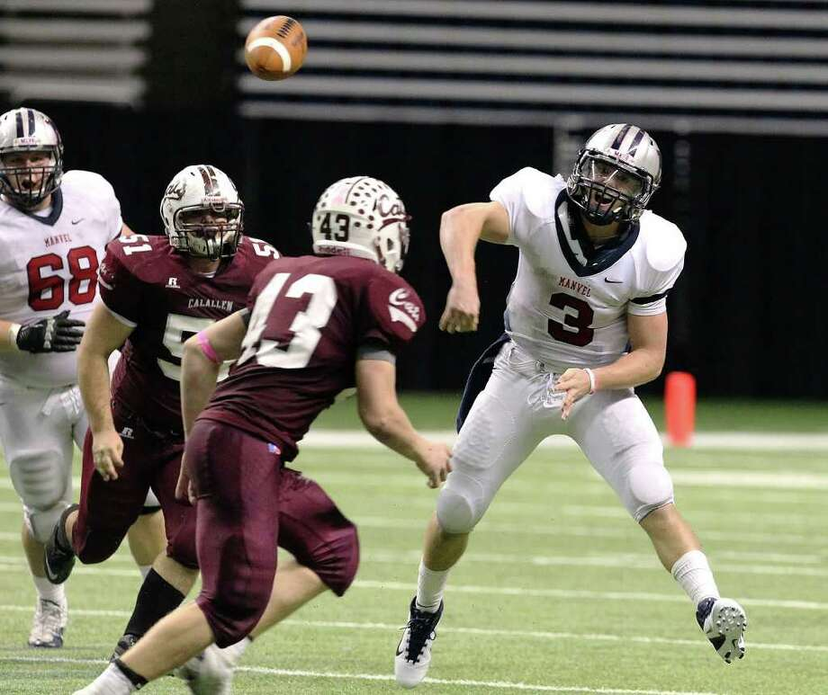 Manvel quarterback Shane McCarley (03) heaves a throw to a downfield receiver in the last seconds of the fourth quarter to set up a chance to win the game against CalAllen in Class 4A Div. II state semifinals in football at the Alamodome in San Antonio on Saturday, Dec. 10, 2011. Manvel defeated CalAllen, 31-28, on a fieldgoal with no time left to advance to the state finals. Kin Man Hui/San Antonio Express-News/kmhui@express-news.net Photo: KIN MAN HUI, SAN ANTONIO EXPRESS-NEWS / SAN ANTONIO EXPRESS-NEWS