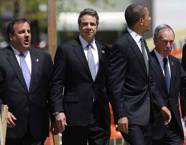 New Jersey Gov. Chris Christie and New York Gov. Andrew Cuomo ...