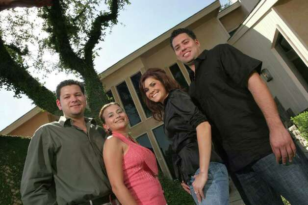 "The Montelongo Family, from the left, David, Melina, Veronica, Armando Montelongo. Legal troubles now engulf the family that once started on A&E's ""Flip This House."" Photo: COURTESY PHOTO, SAN ANTONIO EXPRESS-NEWS"