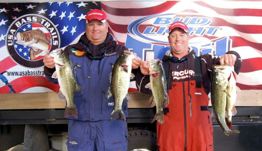 Matt Reed U0026 Scott Dean Hold Up The Five Fish 16.66 Lb Limit That Won The