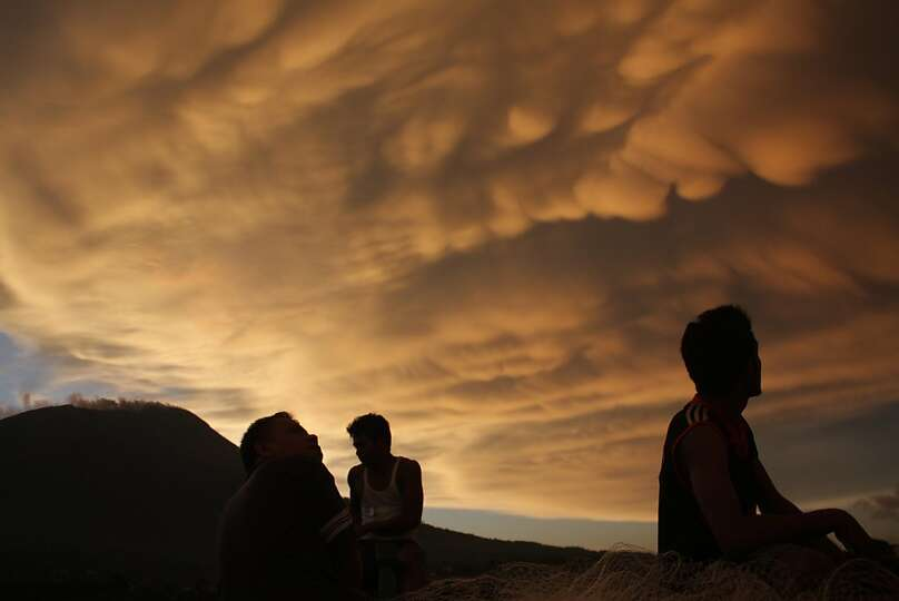 Answer 32:The Ring ofFire. Pictured here is a dramatic cloud formation during sunset ne