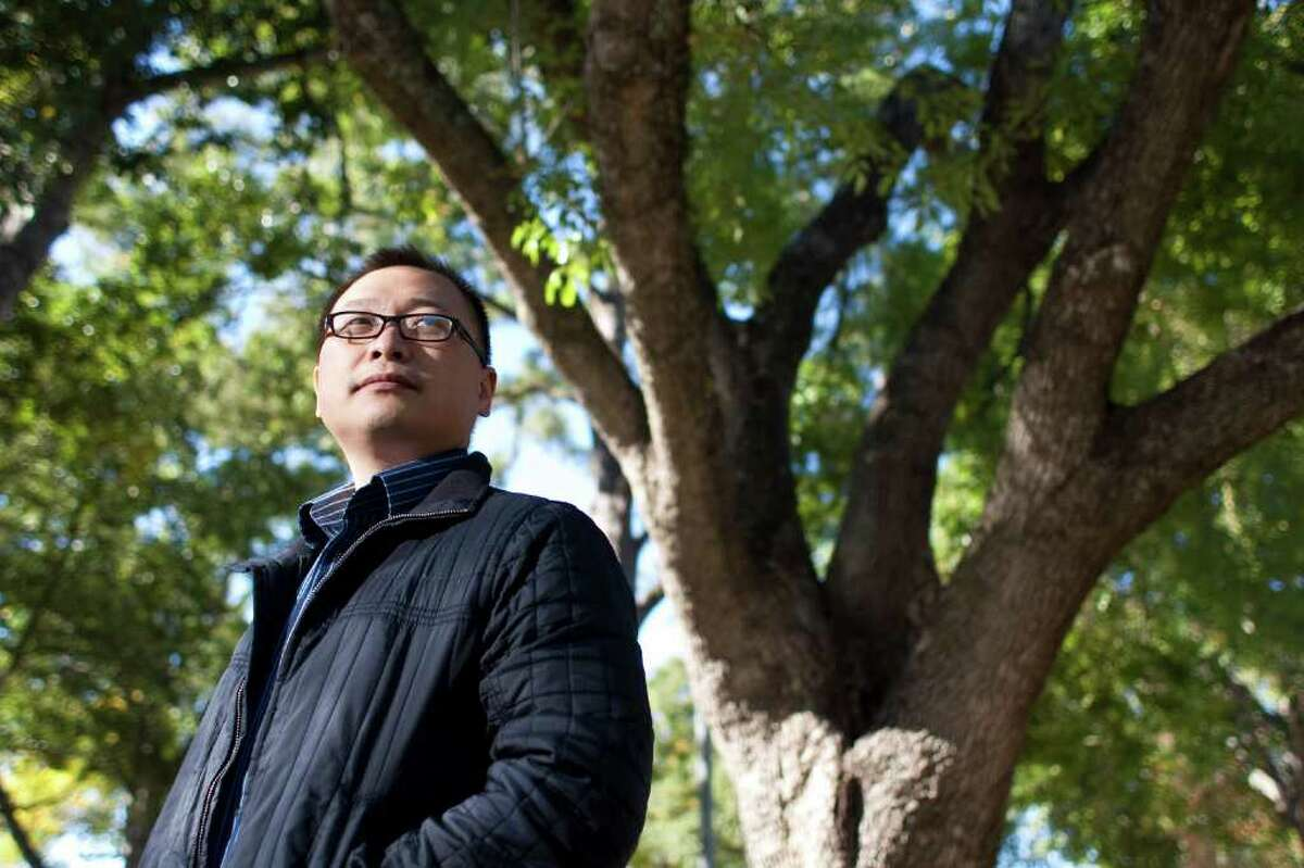 NICK de la TORRE : CHRONICLE NORTHERN ENVY: Nanfei Sun, who has a doctorate in computer science, says he envies his friends who immigrated to Canada. They moved through the immigration system there and put down roots.