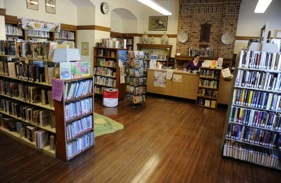 The Troy Public Library will close its Sycaway branch, seen here in 2009, in January. It is located in the School 18 building. (Times Union archive)
