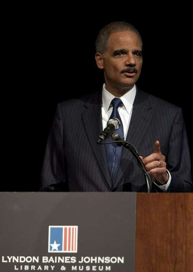 RODOLFO GONZALEZ: AUSTIN AMERICAN-STATESMAN MAKING HIS POINT: Attorney General Eric Holder vowed in his speech Tuesday in Austin to fully enforce civil rights protections in next year's elections amid a flurry of activity by states to redraw political boundaries. Photo: Rodolfo Gonzalez / Austin American-Statesman